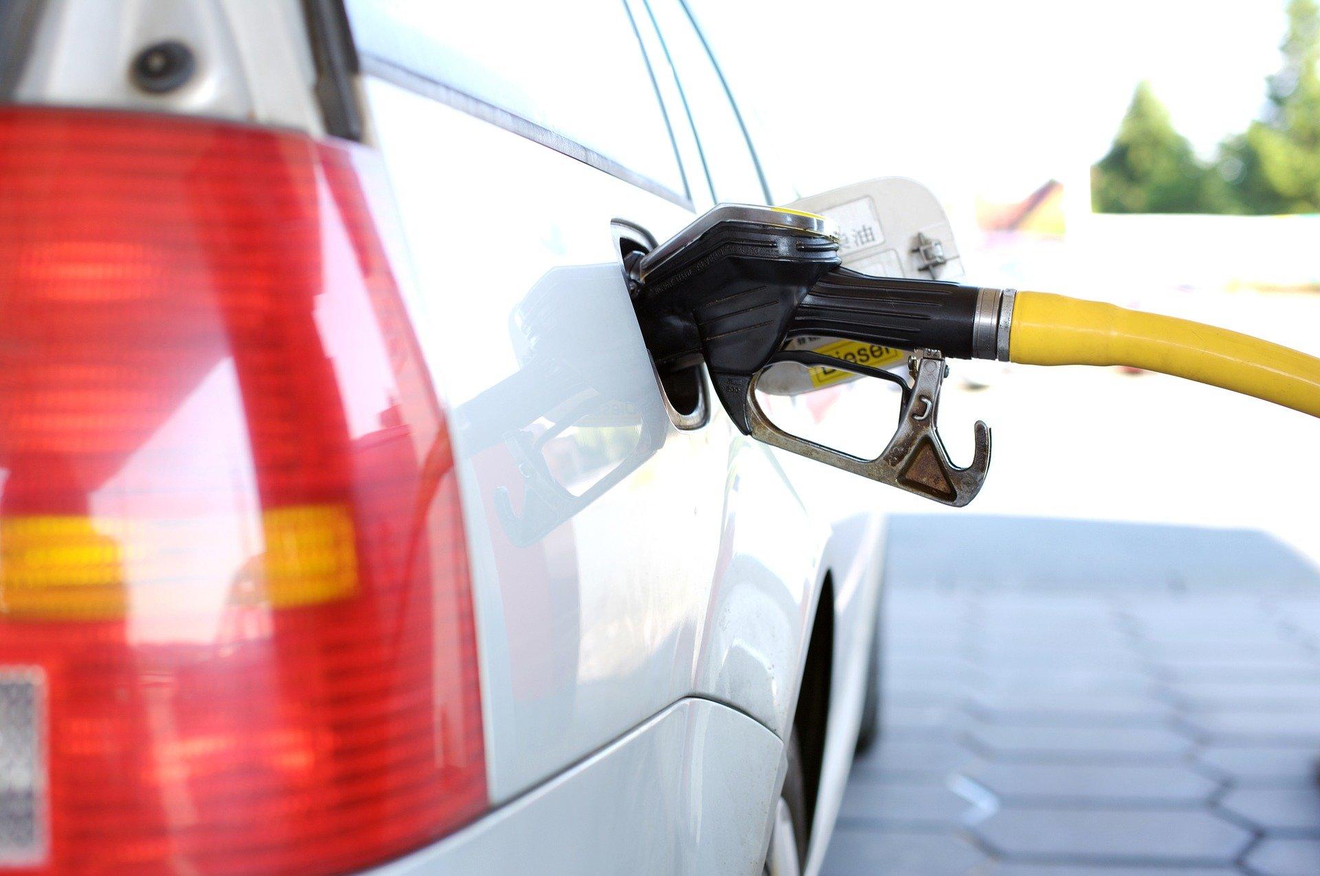 Petrol Sample Tar Marathi Nibandh
